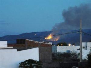 16716836280003622710000-300x225 Incêndio de grandes proporções atinge Serra de Teixeira há dois dias, no Sertão da PB