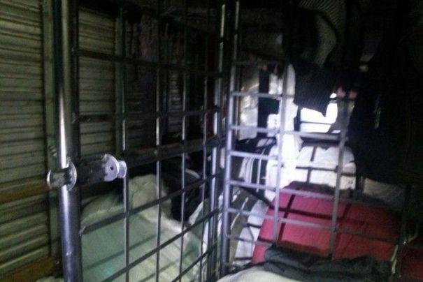 lajeado_-_tranalhadores_-_escravidao_-_foto_reproducao_rbs Polícia do RS diz que paraibanos mantidos como escravos eram punidos em cela dentro de caminhão