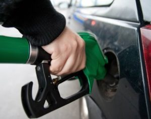 Bomba-de-Gasolina-310x245-300x237 Queda do preço de gasolina chega aos postos