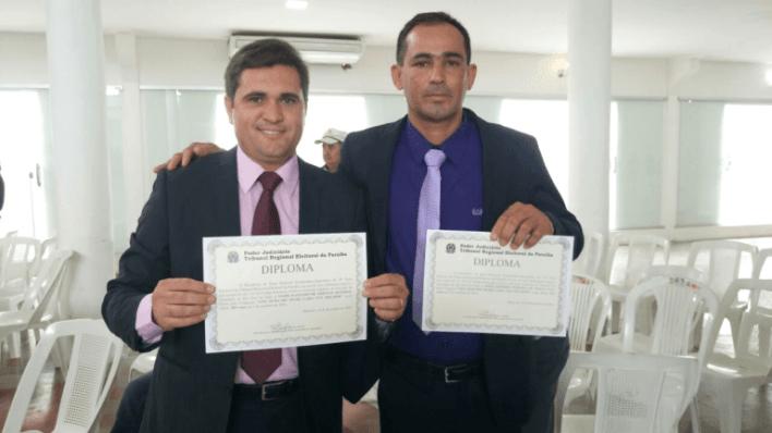 08-1 Prefeito eleito e vice de São João do Tigre  são diplomados em Monteiro