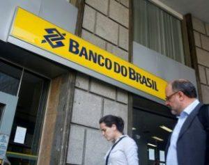 2016-08-08t061924z_2010611087_s1betufatwab_rtrmadp_3_banco-do-brasil-results-310x245-300x237 Mais de 9,4 mil funcionários aderem ao plano de aposentadoria do BB