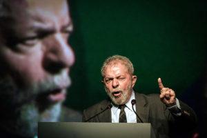 lula-300x200 Lula é denunciado em caso sobre compra de caças e MP de montadoras