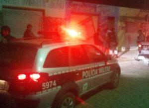 timthumb-1-5-300x218 EM MONTEIRO: Homem é preso vendendo drogas para adolescentes