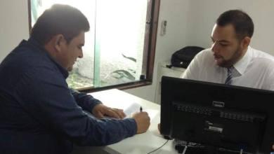 Prefeito de São João do Tigre assina convênio para aquisição de veículo para a Educação 4