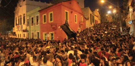 caa0dc6786cf9d607fa4dd8d1f7efbc7 Vídeo mostra  violência nas prévias de Carnaval de Olinda;Confira