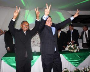 posse_souzinha-300x238 Souzinha toma posse como prefeito de Serra Branca e promete que irá trabalhar para tirar o município da escuridão