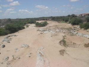 rio_taperoa-300x225 Apesar das últimas chuvas, rios do Cariri continuam secos e açude de Boqueirão segue sem receber águas
