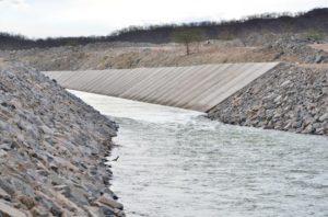 transposição-sertania-300x198 Transposição: Problemas técnicos adia chegada de água à Sertânia