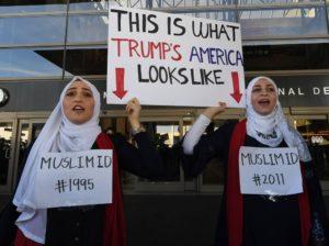 trump22-300x224 Juiz federal dos EUA determina que governo Trump permita entrada de imigrantes com vistos