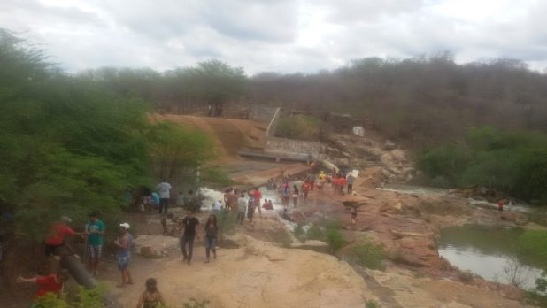 20170312_140250-1024x576 Centenas de pessoas visitan Barragem de São José no município de Monteiro neste Domingo.