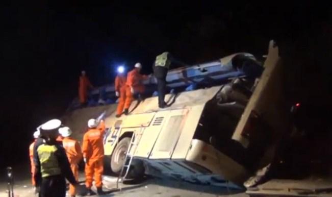 bus Acidente de ônibus deixa 10 mortos e 38 feridos na China