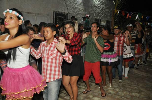 OPIPOCO mostra como foi a Segunda noite do festival de quadrilhas em Monteiro. Confira Imagens 3