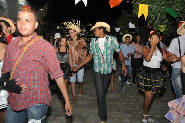 OPIPOCO mostra como foi a Segunda noite do festival de quadrilhas em Monteiro. Confira Imagens 33