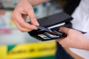 cartao-de-credito-300x200 Novas regras para rotativo diminuem juros do cartão de crédito, mostra pesquisa