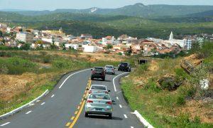 DER faz manutenção em rodovias do Cariri 5