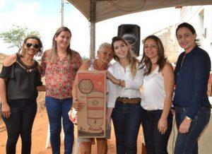timthumb-4-3-300x218 Comunidade de Xique-Xique recebe filtros de cerâmica e serviços de saúde