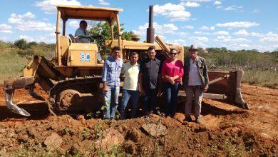Vereadores do Município de Amparo Acompanham início das Obras de Recuperação da Estrada que liga os municípios, AMPARO/SUMÉ. 2