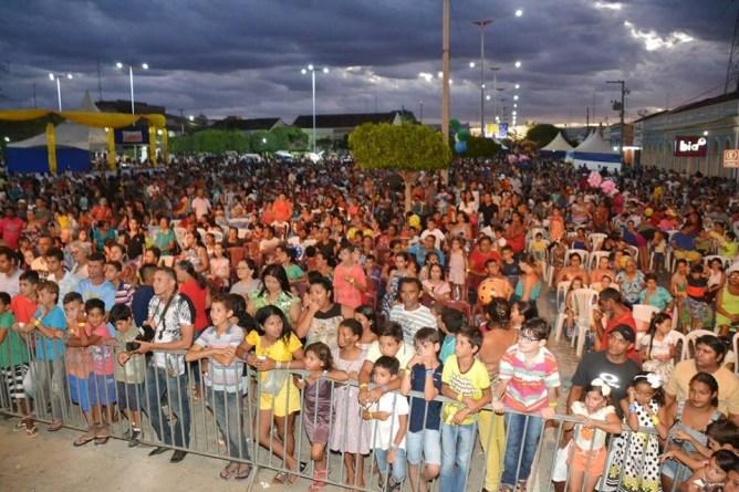 xxxx Festa das crianças se transforma em um dos maiores eventos de Monteiro