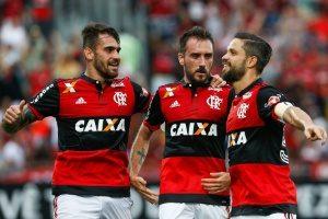 diego-marcou-o-segundo-do-flamengo-sobre-o-corinthians-1511123605327_300x200-300x200 Flamengo faz 3 a 0 no campeão Corinthians no RJ