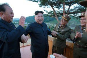 2017-05-15t085313z_608528510_rc11a8c59c40_rtrmadp_3_northkorea-politics-e1494855222100-300x200 Coreia do Norte faz grande festa por lançamento de míssil