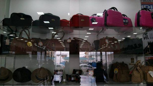 25371406_10211514320116768_951170920_o-1024x576 Reinauguração das Lojas Olindina Monteiro