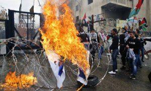 xLebanon.jpg.pagespeed.ic_.sWxzqavCiB-300x180 Protesto contra Donald Trump causa caos no Líbano