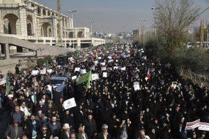 IRAN-300x200 Ao menos nove morrem e cem são presos em noite de protestos no Irã