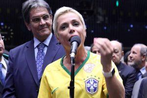 cristiane-brasil-roberto-jeferson-20160417-001-300x200 Ministra usa conta de assessora para pagar dívida trabalhista
