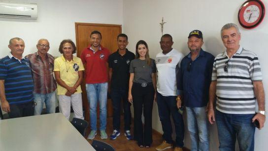 lorena_comissao_vasco Comissão técnica do Vasco da Gama é recebida pela prefeita Anna Lorena