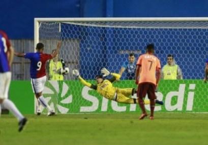 whatsapp_image_2018-01-24_at_20.28.14 Caririzeiro defende pênalti e fica perto de se tornar titular do Atlético-PR