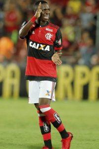 xvinicius-jr-flamengo.jpg.pagespeed.ic_.b7Mh9KMQRo-200x300 Atuação de Vinicius Jr. no Flamengo empolga jornais: 'Seguro, máxima eficácia'