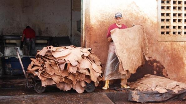 0008_foto-couro-rammom-monte O Poder do Couro em Cabaceiras no Cariri paraibano