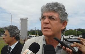 08-02-2018.204228_sasasaasa-1-300x189 Sem constrangimento, Ricardo lembra a Lígia que a população votou nele