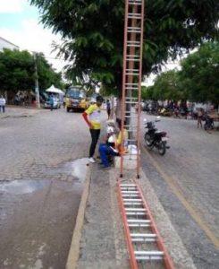cameras-de-segurança-em-serra-branca-326x400-245x300 Prefeito Souzinha inicia instalação de câmeras de segurança em Serra Branca