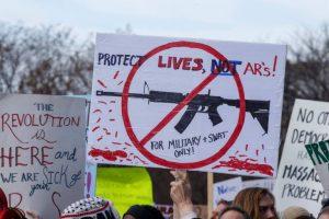 Marcha-contra-armas-nos-EUA-tem-lágrimas-silêncio-e-apelo-ao-voto-juvenil-300x200 Marcha contra armas nos EUA tem lágrimas, silêncio e apelo ao voto juvenil