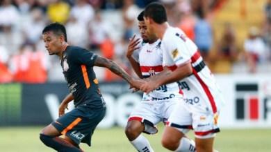 Com golaço de Gabriel, Corinthians vence Botafogo-SP e pegará Bragantino 1