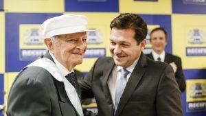 tio_beza_pref_rec-300x169-300x169 Monteirense Rafael de Menezes receberá título de Cidadão Recifense na próxima quinta-feira