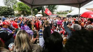 Ataque a tiros contra acampamento pró-Lula em Curitiba fere dois 5