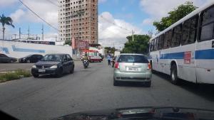 Em assalto, funcionários e clientes dos Correios são mantidos reféns em CG 4