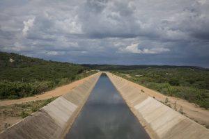 rio-sao-francisco-300x200 Obras em Poções atrasam e água da transposição segue suspensa em Monteiro