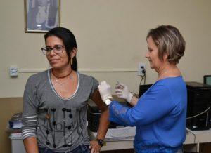timthumb-6-300x218 Campanha de imunização contra Influenza continua até o dia 15 em Monteiro