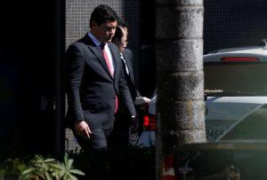 MINISTRO-300x203 Temer aceita pedido de exoneração de ministro do Trabalho