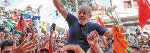 lula-livre-300x107 Lula venceria no 1º turno se eleições fossem hoje, diz pesquisa CUT/Vox Populi