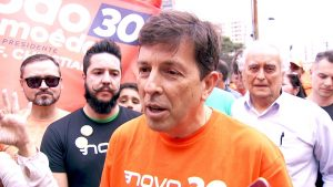 frame-00-00-40.584-300x169 João Amoêdo diz que, se eleito, vai renunciar a residências oficiais e viverá em casa particular