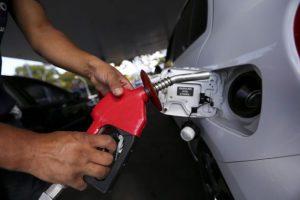 gasolina-Marcelo-CamargoAgência-Brasil-1-696x464-300x200 Gasolina pode ser achada a R$ 3,999 em João Pessoa
