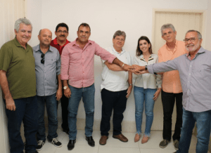 timthumb-1-300x218 Prefeita Anna Lorena anuncia apoio à pré-candidatura de Carlos Batinga