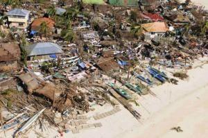 809512-300x199 Tufão deixa ao menos 3 mortos nas Filipinas