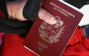 000-18n3vo-300x188 Quase 2 milhões de pessoas deixaram Venezuela, diz ONU