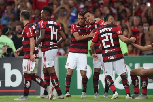 815394659379 Flamengo vence Fluminense e pressiona o Palmeiras