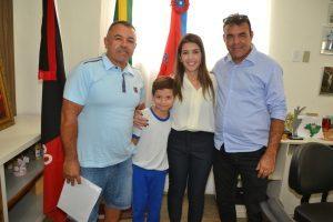 Distrito-dos-Mecânicos-e-Industrial3-300x200-300x200 Trabalhadores recebem, os Termos de Doação de lotes em Monteiro